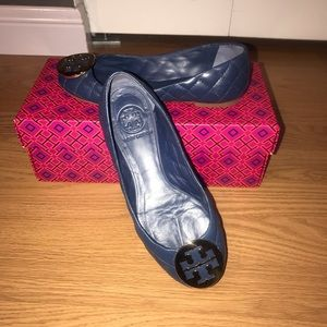 Tory Burch Blue Leather quilted flats. Size 5